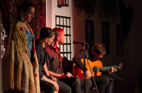 Guitarra en Flamenco Andalusi Sevilla 4