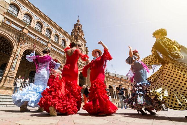 Flamenca Bailando en Sevilla