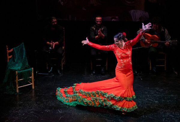 Baile de Luisa Bata Roja
