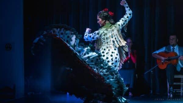 Baile en Tablao Flamenco Orilla de Triana | Espectáculo Flamenco en Sevilla