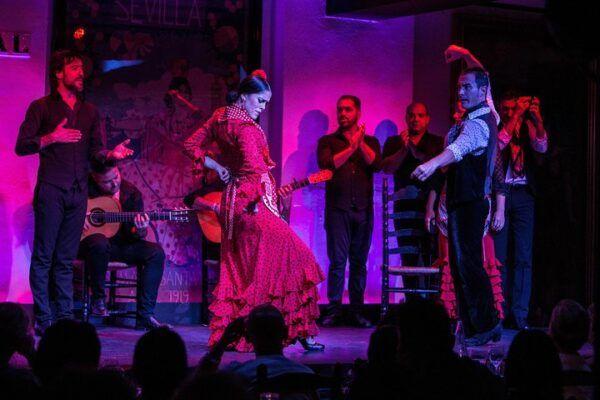Bailaora de Tablao Flamenco El Arenal