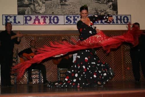 Baile Flamenco en el Tablao Flamenco El Patio Sevillano